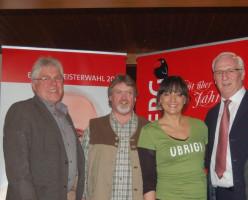 Vorstand Wolfgang Knorr, 3. Bürgermeister Bernhard Hupp mit Rena und Bürgermeisterkandidat Peter Stichler